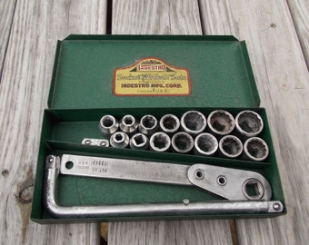 Indestro socket set