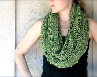 PATTERN: 4 Ways to Wear It, Hoja Cowl, easy crochet PDF, Infinity Circle Scarf, lacy textured neckwear, InStAnT DoWnLoAd, Permission to Sell
