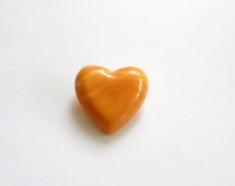 Vintage BAKELITE Marbled Cream Corn HEART Button NOS