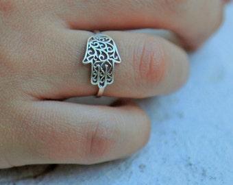 hamsa ring, silver hamsa ring (small surface), silver hamsa ring, hand ring, hand of god ring, filigree hamsa ring, unique hamsa ring