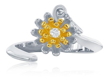 Small Loves Me Daisy Ring