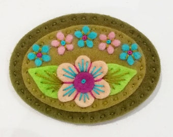 Sweetheart textile green and pink felt brooch pin - hand embroidered - statement brooch - hand made jewelry
