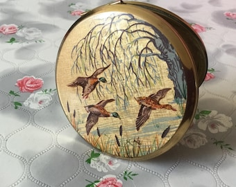 Stratton powder compact, flying ducks Stratton, handbag mirror compact, vintage Stratton compact, 1970s Stratton, 1960s Stratton water birds