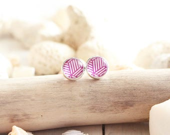 Ibiza stud earrings, fuchsia graphic pattern, silver white base 10 mm, beach style, summer jewel, for women