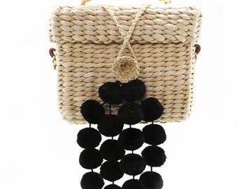 Kleine quadratische Tasche aus Stroh mit Baumwollfutter - 18 x 15 cm x 10 cm - Quadrat POMPONS - MUMICO Korb