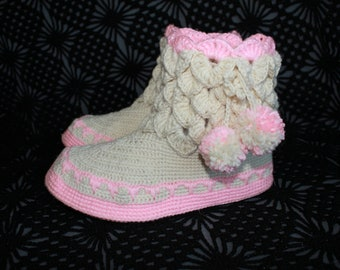 Crochet boots Knitted slippers Homewear Womens crochet boots Home Shoes Gift for Her Dragon Crocodile stitch boots White Slippers boots