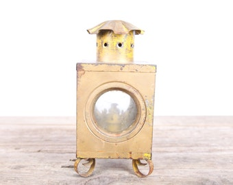 Vintage Lamp / Gold Yellow Lamp / Antique Oil Lamp / Unique Home Decor / Antique Light Vintage Gift / Rusted Patina Outdoor Prop Display