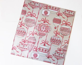 Vintage Wrapping Paper - Christmas Ornaments Gift Wrap - Folk Retro - One Sheet Rustic Seasonal Wrap