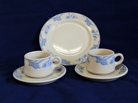 5 Pieces Shenango China Rose Point Blue Restaurant Ware 2 Cups, 2 Saucers & Plate
