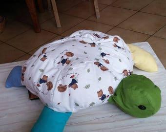 blanket / turtle pillow