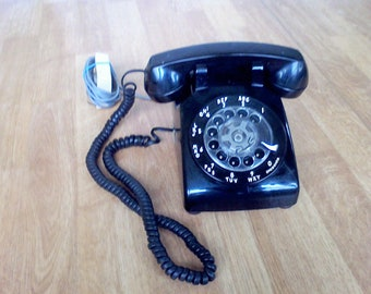 Vintage Dial Phone  old telephone  black Rotary dial Bell Systems made in the USA