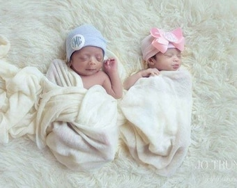monogrammed bow, monogrammed baby boy hat, monogrammed baby girl hat, baby, newborn hat, twins, boy girl twins, girl boy twins