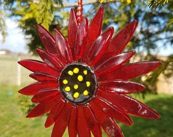 Flower Suncatcher in Red/Fused Glass