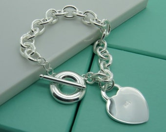 Personalized Heart charm bracelet with ring latch - Engraved silver bracele