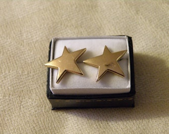 Exquisite 18K Gold Star Earrings
