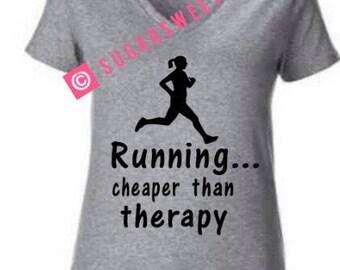 En cours d'exécution Tshirt moins cher que la thérapie Womens athlète Marathon Runner Jog Jogging chemise Noël cadeau Run