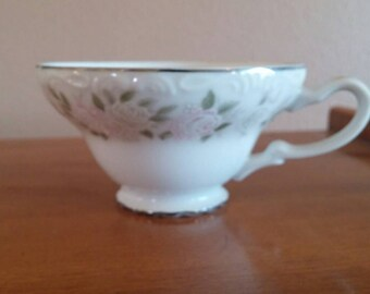On Sale Sheffield Fine China Classic 501 Pattern with Pink and White Roses Vintage Teacup Made in Japan