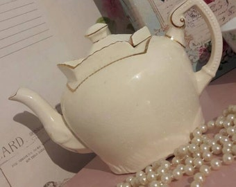 Vintage teapot with  unusual sliding lid, home gift, tea party, collectable gift, cream and gold tea pot, 4 cup teapot, vintage home decor.