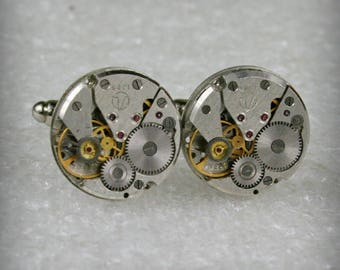 SALE...Watch Movement Cufflinks , Steampunk Cufflinks . Steampunk jewelry , Vintage Clockwork Watch Movement Cuff Links