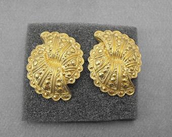 Retro Avon FANFARE Earrings (1988) Gold Plated Pierced