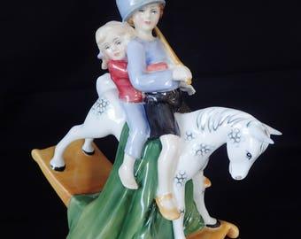 Royal Doulton tenir serré HN 3298 Figurine