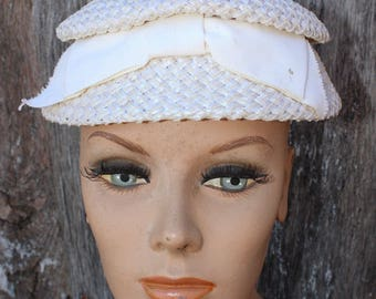 Vintage Ivory Ladies' Straw Hat with Bow in the Front