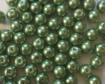 20 x 10mm green glass pearl beads