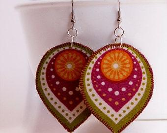 Green boho drop earrings, lightweight bohemian jewelry, teardrop earrings, green and maroon gypsy earrings, hippie jewelry, green dangle