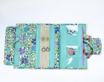 Jewelry holder Jewelry roll storage Jewelry travel case Travel jewelry organizer Bijou bag Roll storage Jewelry bag Floral print Blue