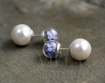 Sterling double sided real forget me not studs. Glass orbs filled with dried forget me nots and white pearls. Unique studs for her.