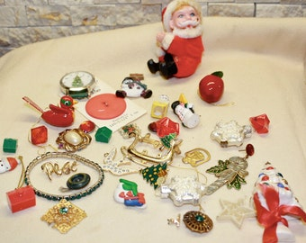 Lot of Christmas trinkets