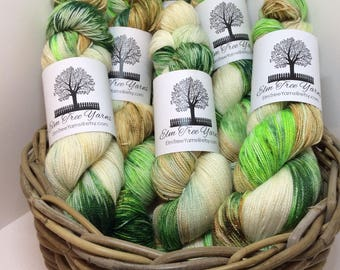 4ply SWM with Nylon and silver stellina Frosted Evergreen