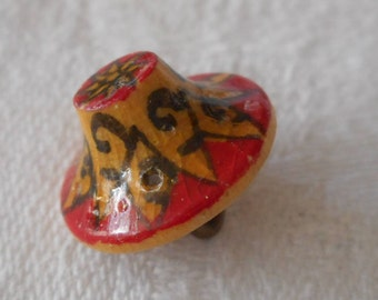 Tiny VINTAGE Painted Realistic Hat Wood BUTTON  9