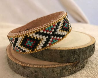Beaded leather cuff w/ buttons - adjustable
