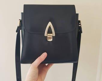 Vintage Goldcrest Bag • Navy Blue Vegan leather handbag • Crossbody bag • Vegan leather crossbody bag • Vegan leather • Vintage bag •