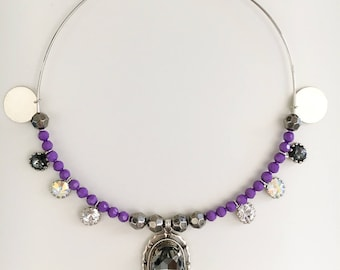 NECKLACE WITH CRYSTALS