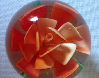 Glass Flower Paperweight, Small Paperweight, Flower Paperweight, Flower Paper Weight, Floral Paper Weight, Paperweight, Desk Accessories