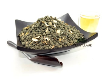 Ginseng Oolong Tea with Slices of White Ginseng Root