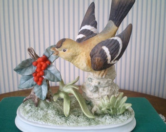 Vintage 1960s Gold Finch figurine- Made in Japan figurine by Jonathan Byron- porcelain Gold finch with holly berries on branch