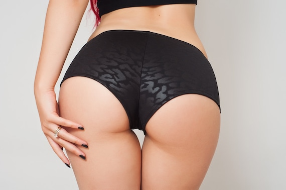sexy black shorts. low rise booty shorts. pole dancer
