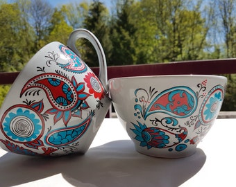 Pair of soup bowls hand painted