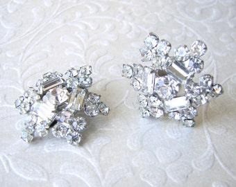 1950s Star Flower Clip Earrings Vintage Costume Rhinestone Jewelry Accessory Prom Wedding Formal Pageant Ballroom Accessories Elegant Bride