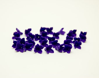 30 flower Beads, Polymer Clay Beads, purple flowers 9-10mm