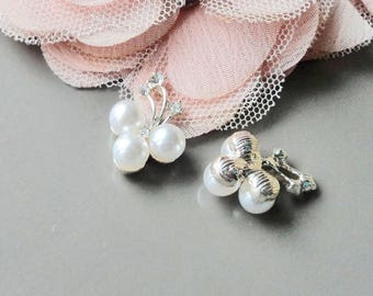 pearl pendant, enamel pendant, pearly pearl, pearly white pearl,