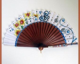 Wedding white hand painted fan, hand held fan, spanish hand fan, gift for her, bridesmaid fan, wood hand fan, hand fans.