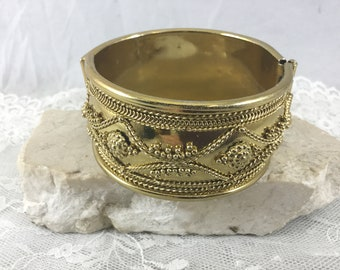 Vintage Retro Gold Tone Wide Hinged Cuff Bracelet Raised Beaded Design