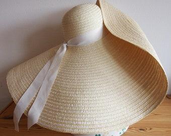 Straw hat with very wide brim