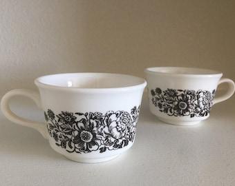Set of 2 Vintage Flower Print Mugs - Vintage Coffee Mugs - Vintage Mug Set - Pair of Vintage Mugs - Vintage USA Mugs - Boho Mugs - Bohemian
