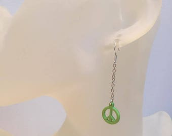 PEACE AND LOVE green pearl earrings