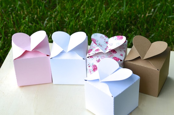 Set of 10 Heart Topped Favor Boxes in rose, white, kraft, or pink. Custom colors available.
